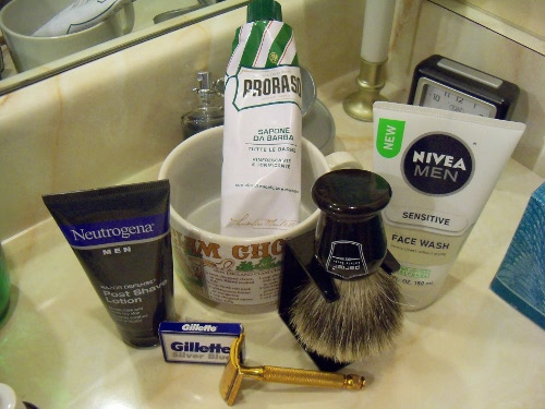 [Image: Safety-Razor-Shave-Day-1.jpg]